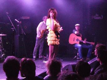 Liset Alea on stage at Le Plan, Ris Orangis, 20 March 2011