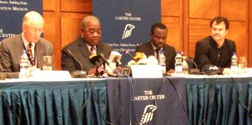 Rupiah Banda delivering the Carter Center's election report